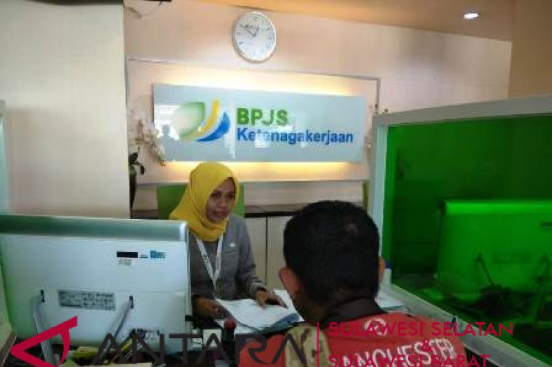 """BPJS Ketenagakerjaan Makassar berlakukan antrean """"online"""""""