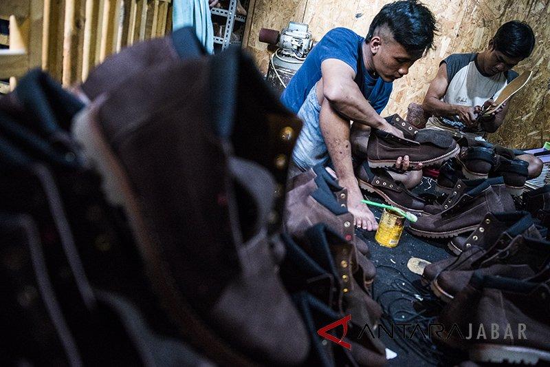 Ribuan pekerja industri kulit Garut dirumahkan, mereka butuh bantuan