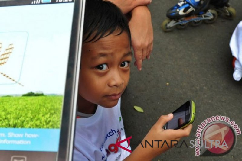 Tips agar anak aman ber-media sosial
