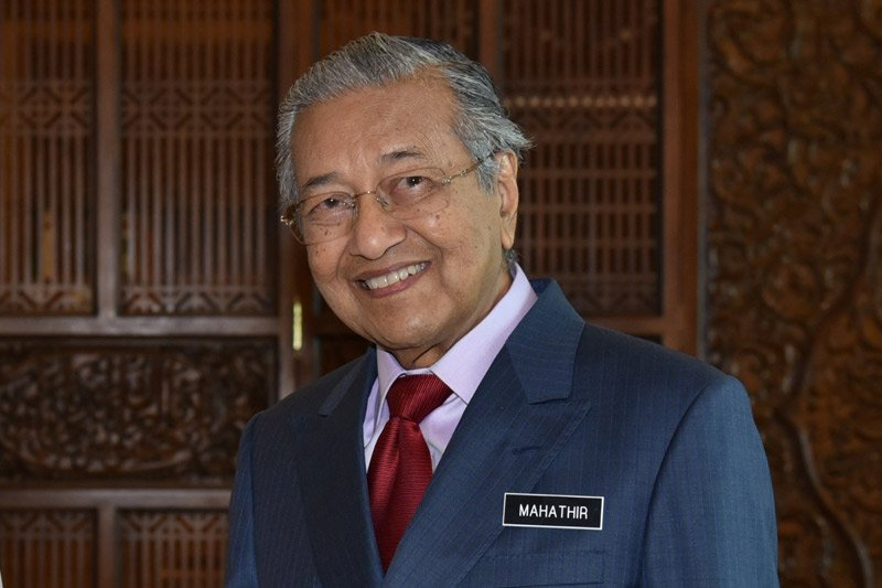 "PM Malaysia Mahathir ""open house"" Hari Raya pertama"
