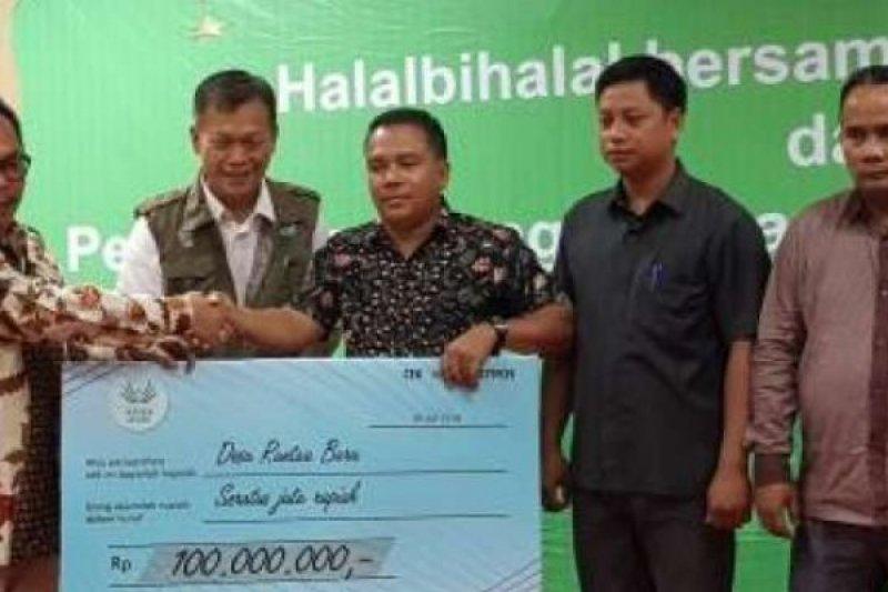 Asian Agri Serahkan Penghargaan Untuk Desa Bebas Api