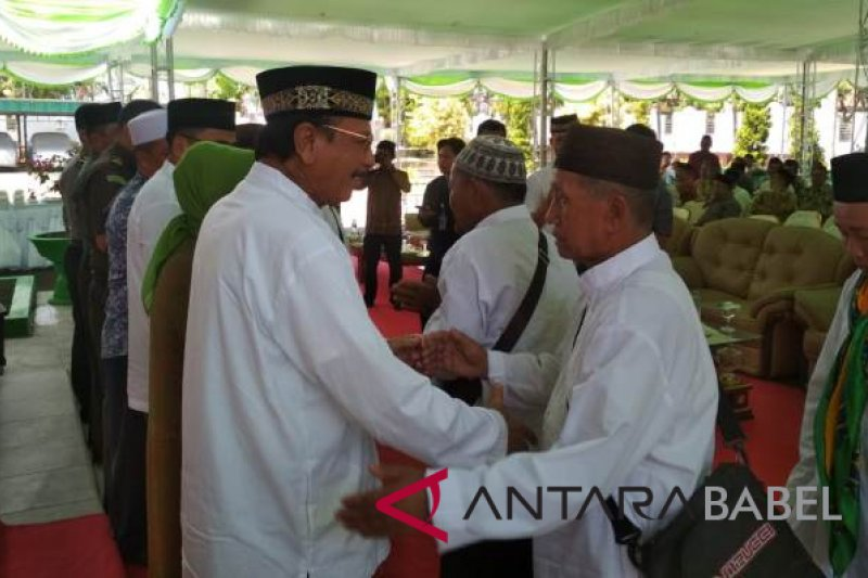 Jamaah calon haji Bangka Barat dibekali uang saku dari pemda