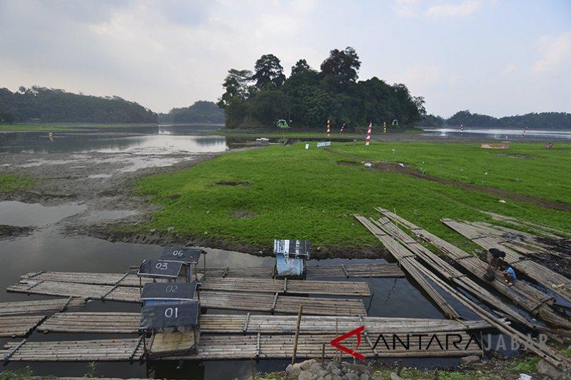 Setu Patok Cirebon mengering