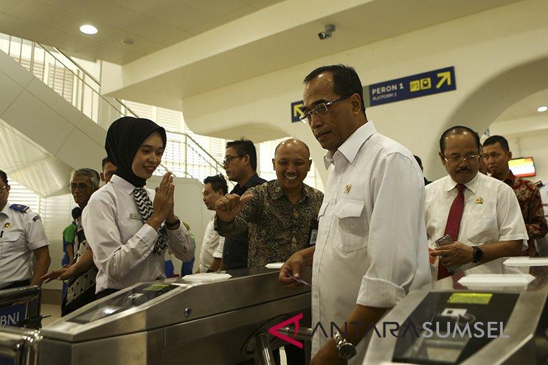 Menhub pimpin diskusi efektivitas LRT Palembang