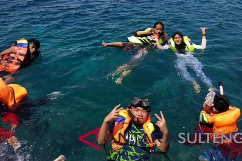 Pantai Tanjung Karang Donggala dikagumi siswa peserta SMN