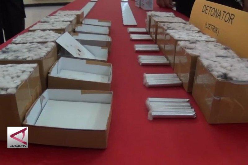 Mabes Polri ungkap 7,45 ton bahan peledak di Sultra
