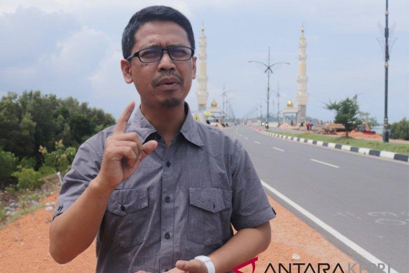 Iskandarsyah kritik Gubernur karena PAD maritim
