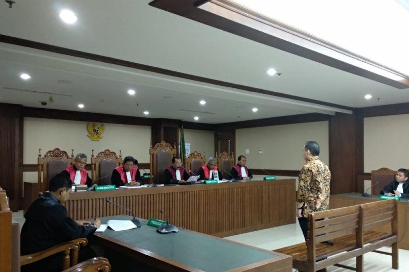 Bupati Halmahera Timur divonis 4,5 tahun penjara