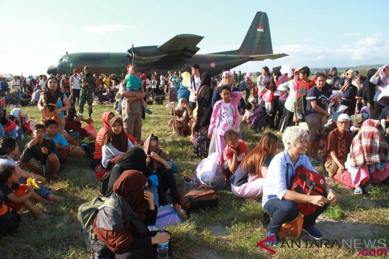 Puluhan warga Sulteng tiba di asrama haji Makassar