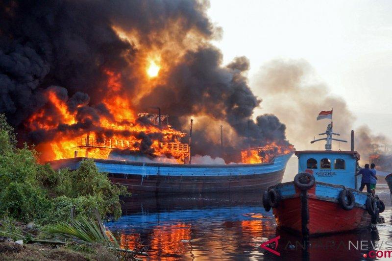 Kerugian kebakaran kapal di Pekalongan  Rp20 miliar