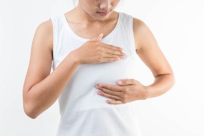 Kenali penyebab ruam di bawah payudara