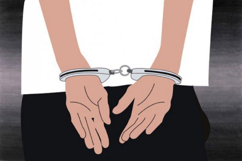Diduga lakukan pemerasan, empat polisi diringkus