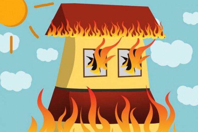 Rumah terbakar di Cibubur akibat ulah warga bakar sampah