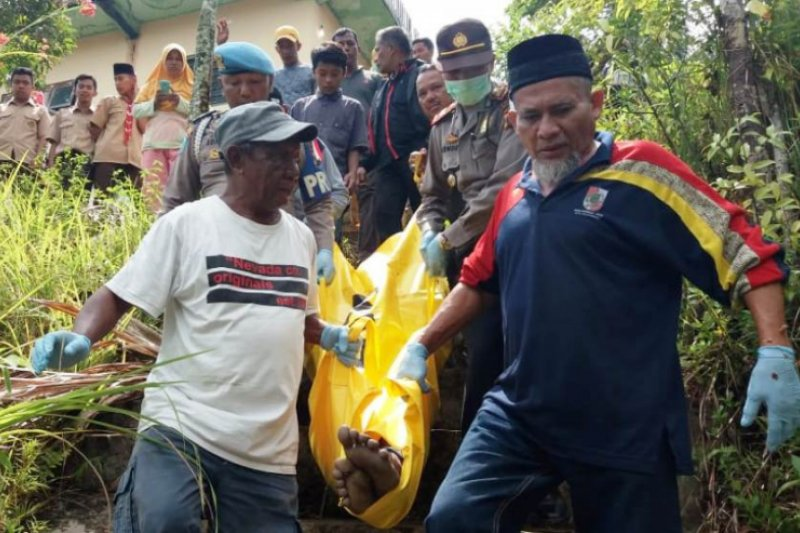 Penjahit sepatu keliling ditemukan tewas gantung diri di Sulik Air Solok