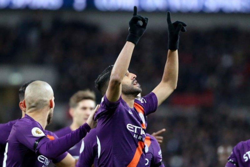 Mahrez lakukan gestur selebrasi gol kenang mendiang bos Leicester