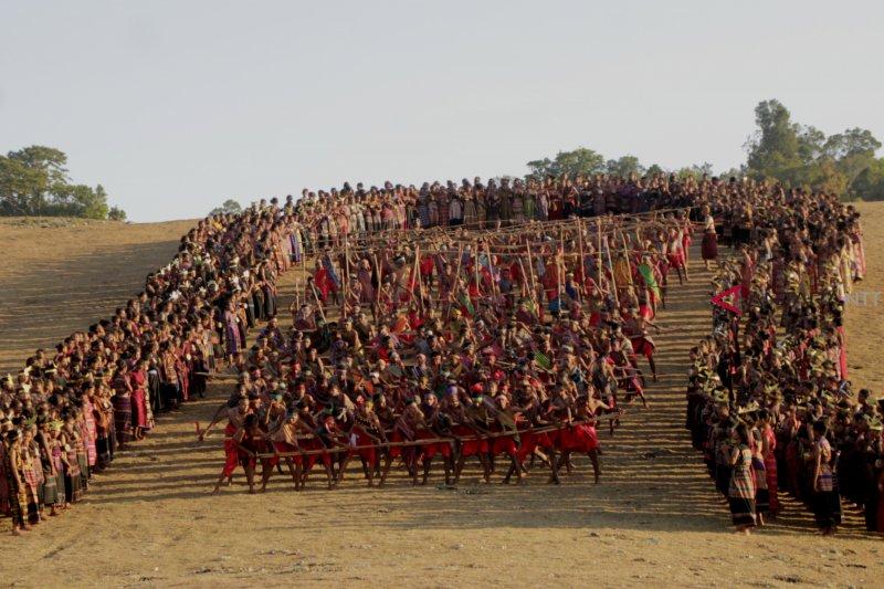 Festival Fulan Fehan-Foho Rai merawat budaya Belu