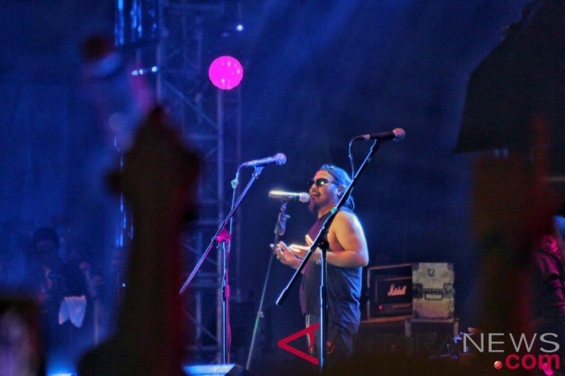 Berlibur di Carita, vokalis Jamrud Krisyanto selamat dari tsunami