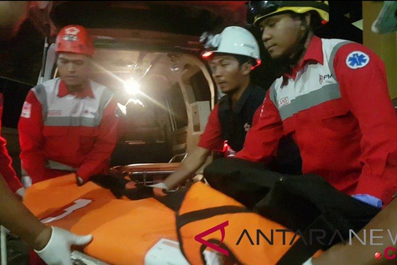 Dua ambulans kembali bawa empat kantong jenazah Lion Air