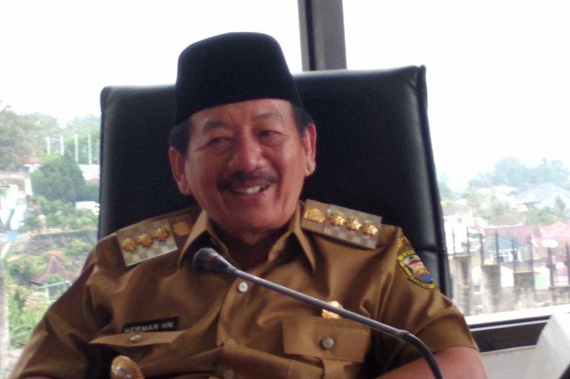 Wali Kota Bandarlampung minta perusahaan patuhi UMK