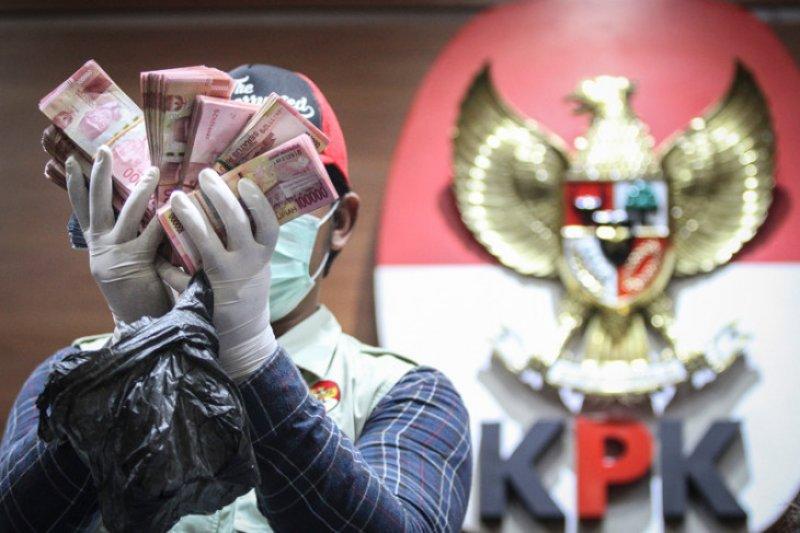 KPK OTT anggota DPRD Kalteng dan pihak swasta terkait komitmen 'fee'