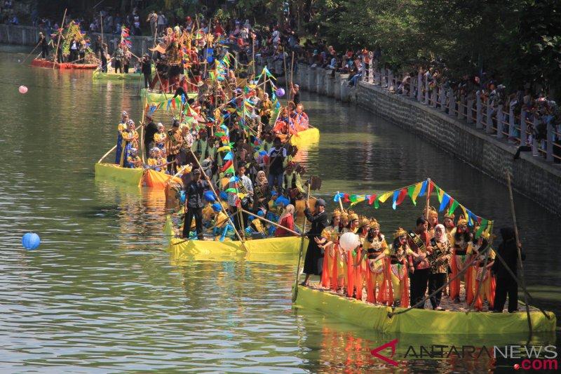 Warga dilarang tinggal di bantaran Sungai Cimanuk