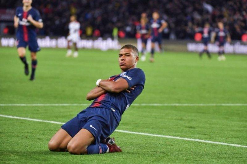 Gianluigi Buffon dukung Mbappe menangi Ballon d'Or 2018
