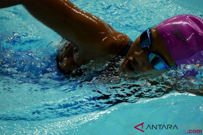 Dilema para atlet pelajar, dini hari sudah nyebur kolam