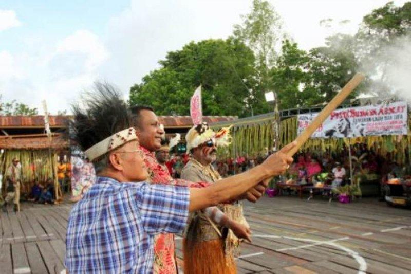 454 seniman meriahkan Pesta Budaya Asmat ke-33