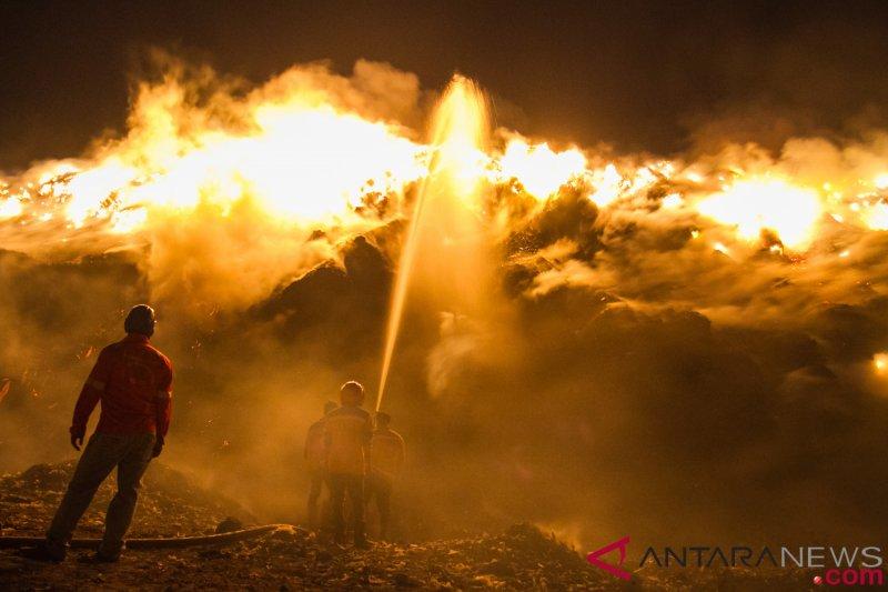 Kebakaran TPA Putri Cempo