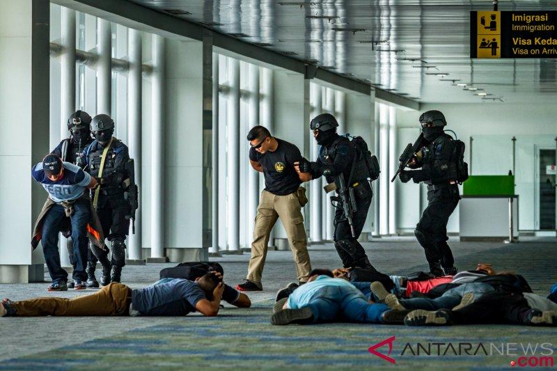 Tiga terduga teroris ditangkap di Riau