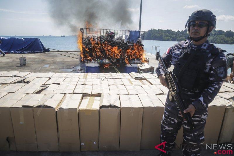 Pemusnahan Barang Bukti Operasi Keamanan Laut
