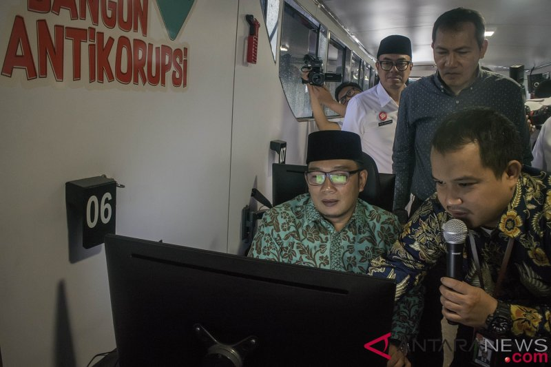 Road Show Bus Anti Korupsi Di Bandung