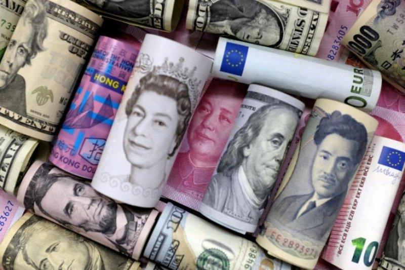 Yen dan franc jatuh terhadap dolar AS