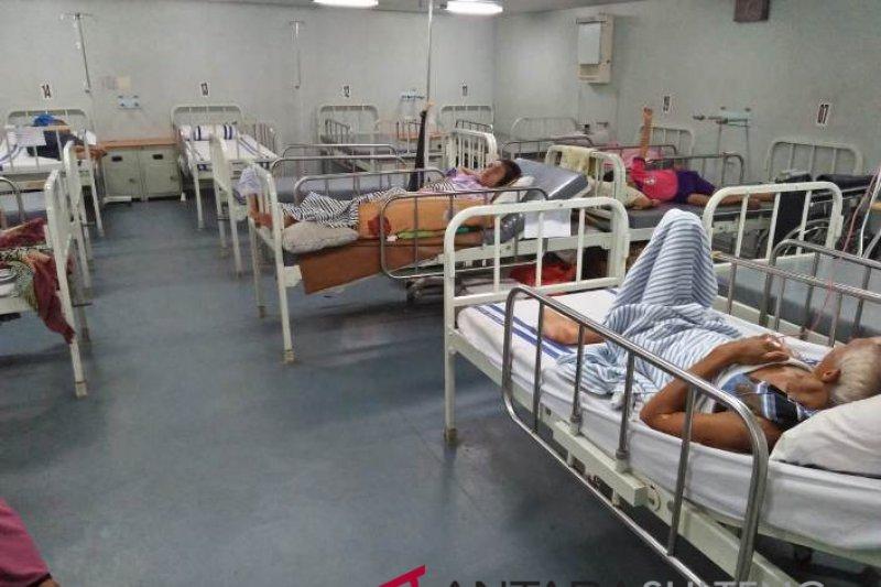 KRI Dr. Soeharso Tangani Korban Bencana