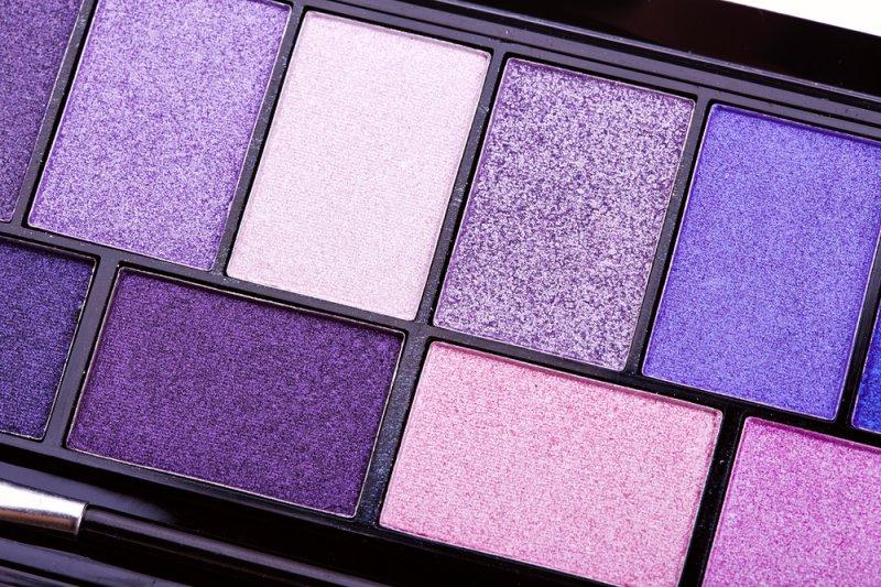Warna ungu jadi tren makeup 2019