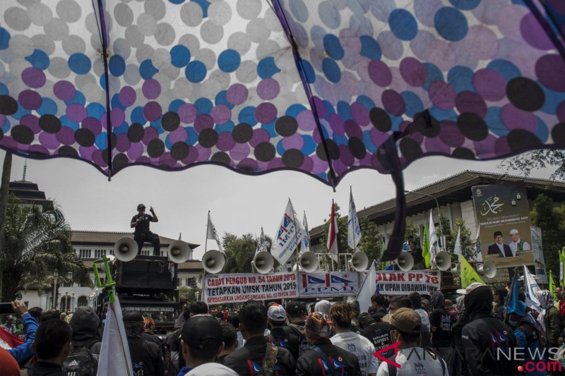 UMK Jabar 2020 ditetapkan, tertinggi Kabupaten Karawang dan terendah Kota Banjar