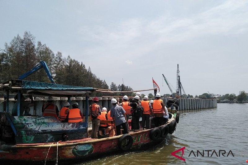 Tanggul laut pencegah banjir rob DKI selesai pertengahan Desember