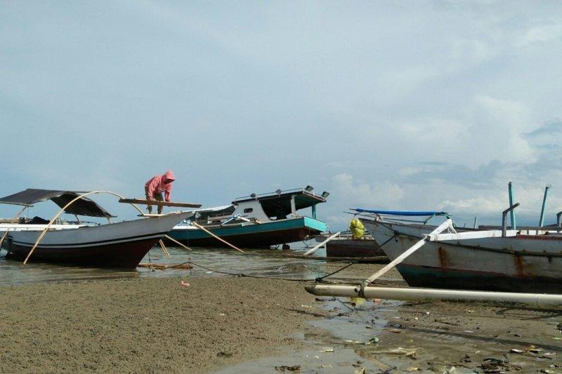 563 nelayan di Sulteng sudah pakai konverter kit