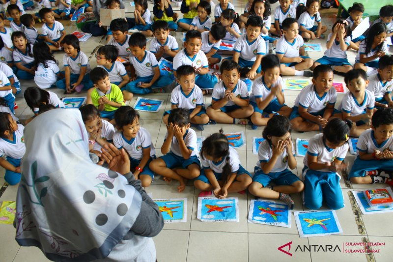 Anak TK Pertiwi doakan korban Lion Air