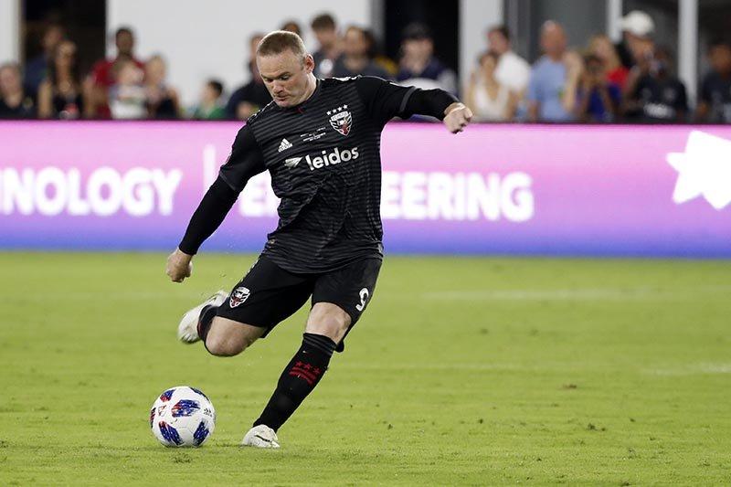 Rooney dapat kartu merah kali pertama di MLS