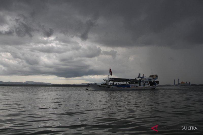Nelayan diminta waspadai gelombang dan angin kencang