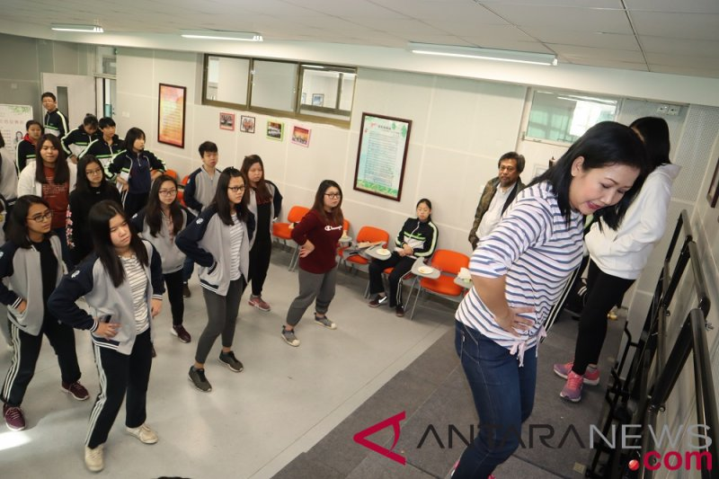 Tari Jaipong jadi ekstrakurikuler SMA di Beijing