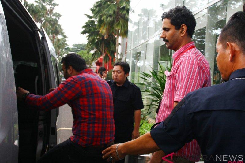 Imigrasi Batulicin mendeportasi tujuh TKA