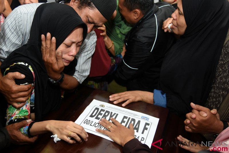 DVI identifikasi empat lagi korban kecelakaan JT 610
