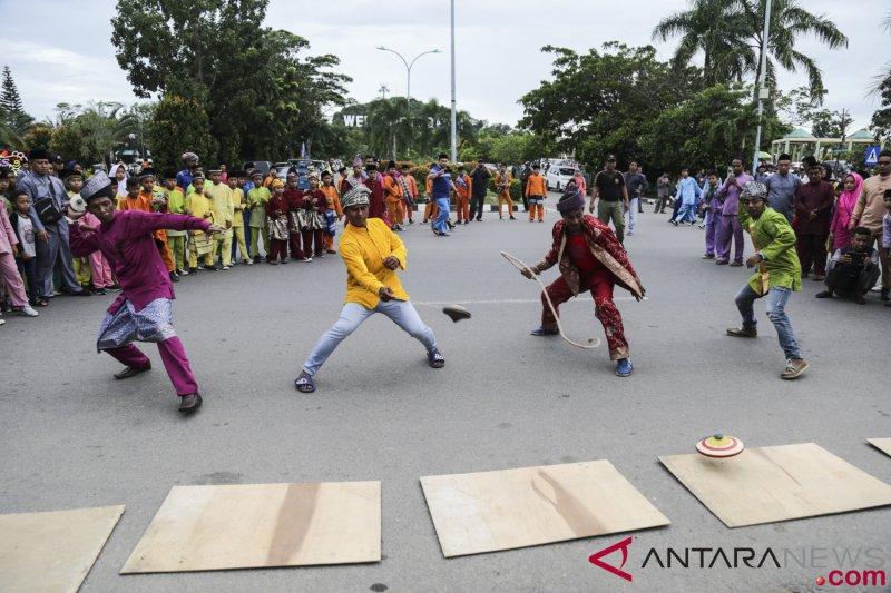 Permainan Tradisional Gasing Melayu Antara News Banten