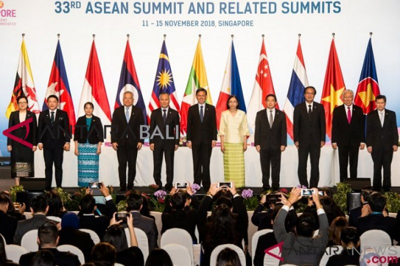 Jokowi tandatangani PP Perdagangan melalui Sistem Elektronik