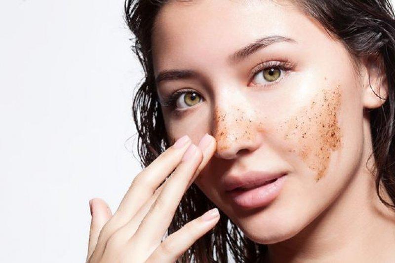 Tips agar tidak terjebak perawatan kulit abal-abal