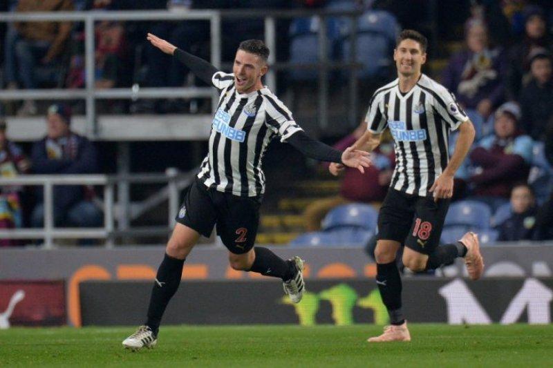 Newcastle United tundukkan Burnley 2-1