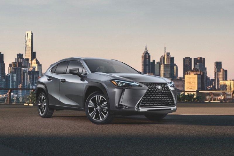 Mulai dijual di Jepang, ini harga Lexus UX