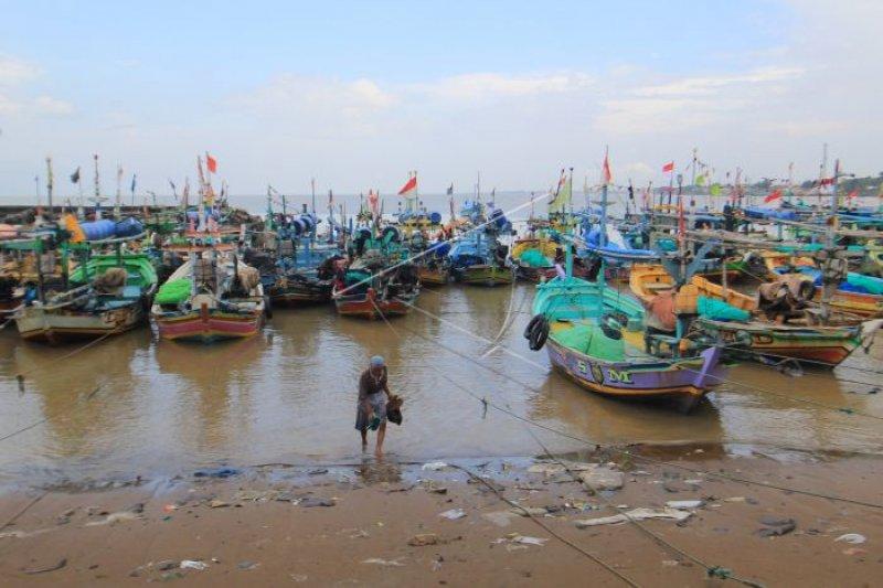 Nelayan Indramayu keluhkan lamanya penerbitan SIPI